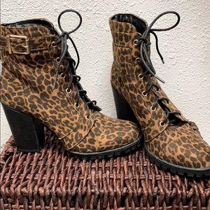 Shoe Dazzle animal print lace up boots 7.5
